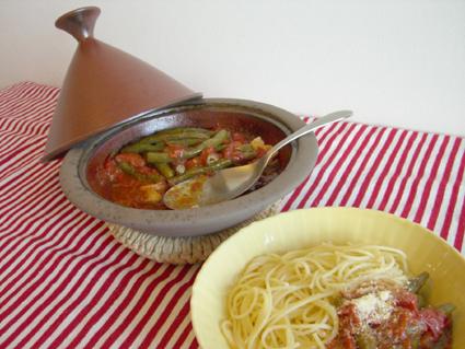 いんげんのトマト煮・パスタ添え